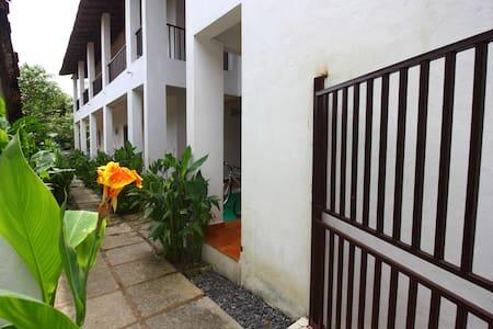 Lenny's Goa Retreat Villa, Family rooms for 4 - Saligao