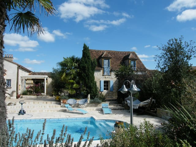 Wonderful house with private heated swimming pool - Monestier - Semesterboende