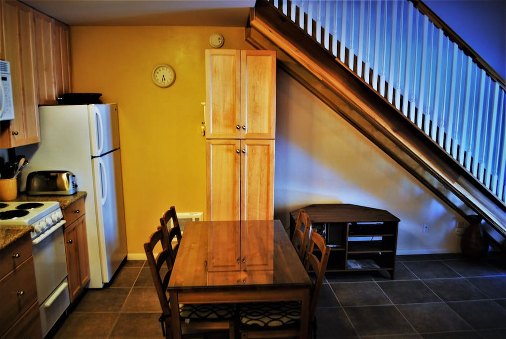 Gorgeous Remodel, Sleeps 5 - LOW Price!! - Kitchen