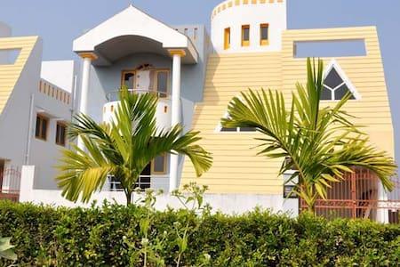 Home away from home in a quiet neighbourhood - Bhubaneswar - Hus