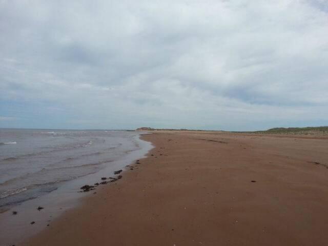 Stanhope beach 5 min drive