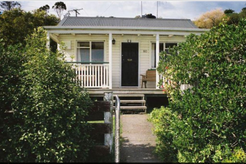 The cottage is the oldest in the Bay. Fleur's Cafe, Tavern, and jetty are less than two minute walk away.
