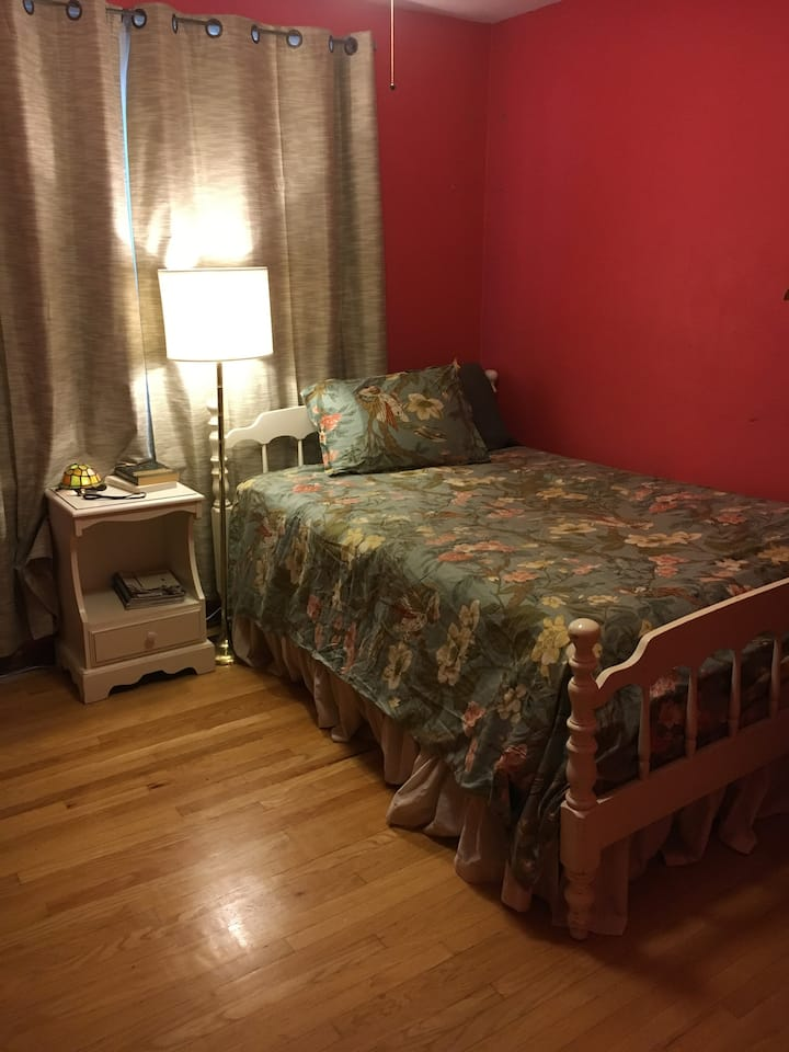 Bedroom in quiet, convenient Clifton Heights