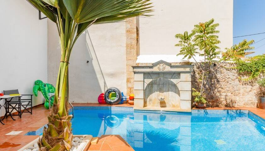 FEDRA - Comfy studio with private patio & terrace