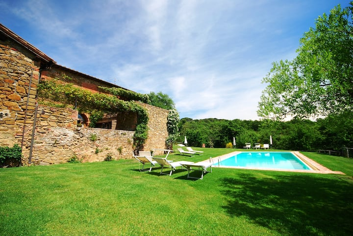 Holidays in agriturismo for families pets allowed