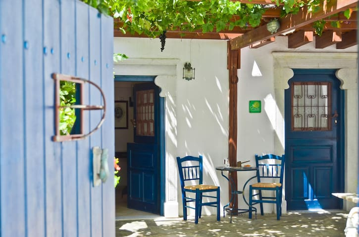 Studio in the Medieval quarter of Old Naxos Town