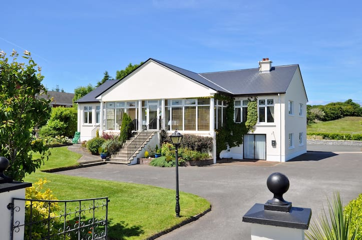 Rowanville Lodge on the Wild Atlantic Way - Sligo