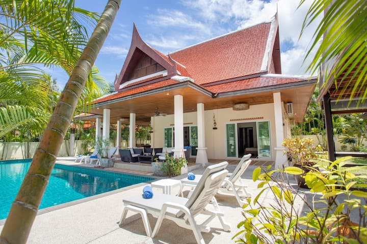 Holiday Pool Villa, 4BR, w/ Independant Pavilion