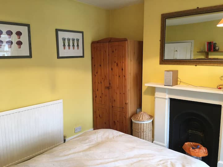Comfortable double room with private en-suite