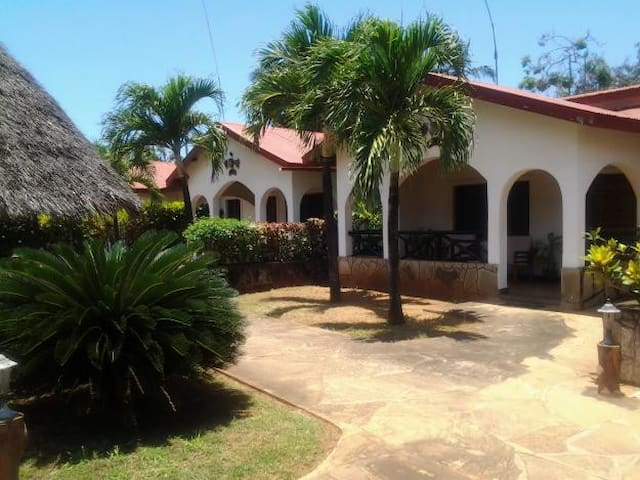 2 BR Diani Beach,close to Beach - Diani Beach - Wohnung