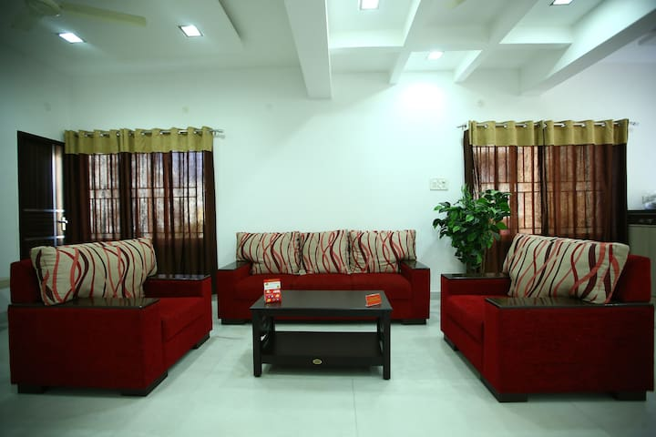 Furnished 2BHK Flat @ Opp to Velachery Rly Station