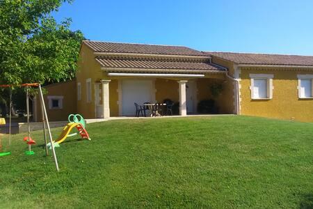GRANDE MAISON RECENTE - Lapalud - House