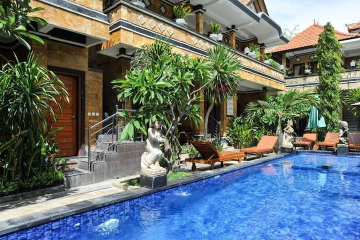 TWO ROOMS W/FAN SURF SLEEP BUDGET PRICE LEMBONGAN
