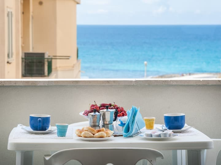 Holiday apartment with fantastic sea views