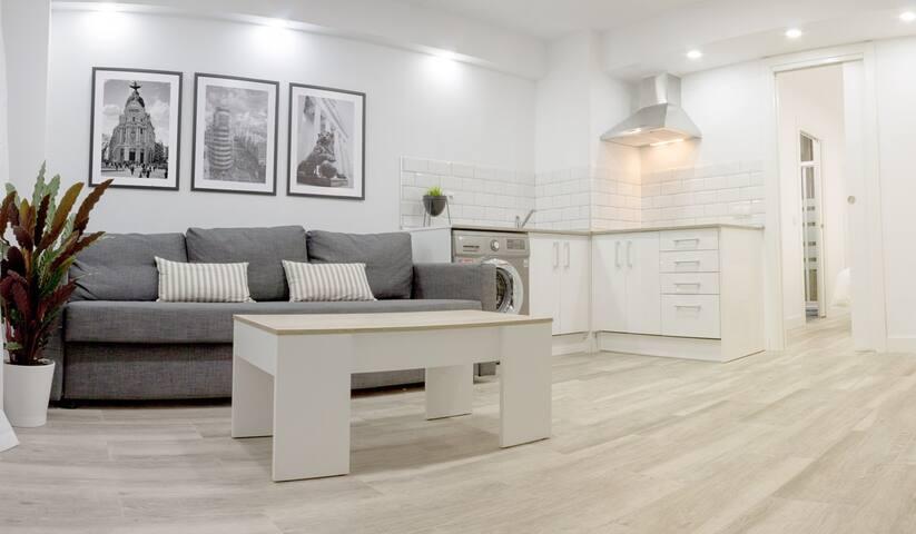 New Design Apartment BullRing LasVentas! WIFI- AC