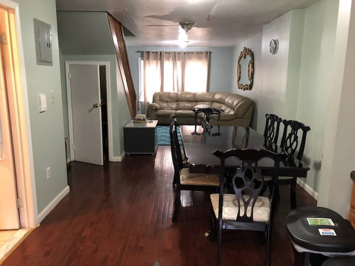 17 minutes from Downtown Manhattan  Shared room