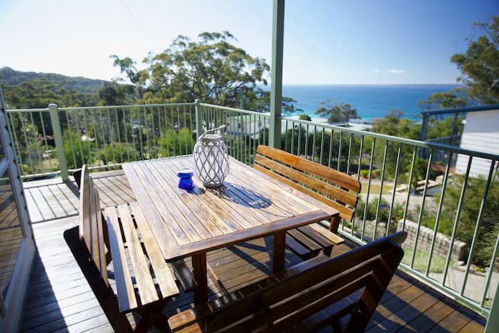 Hyams Beach House - Bush Retreat by the Beach