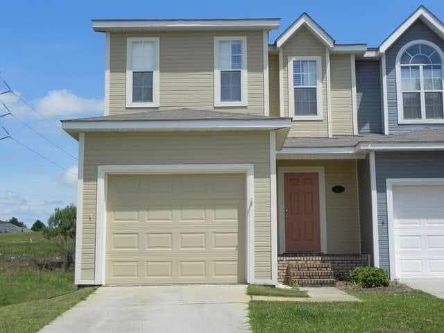 This home has it all!  Minutes from Ft Rucker!
