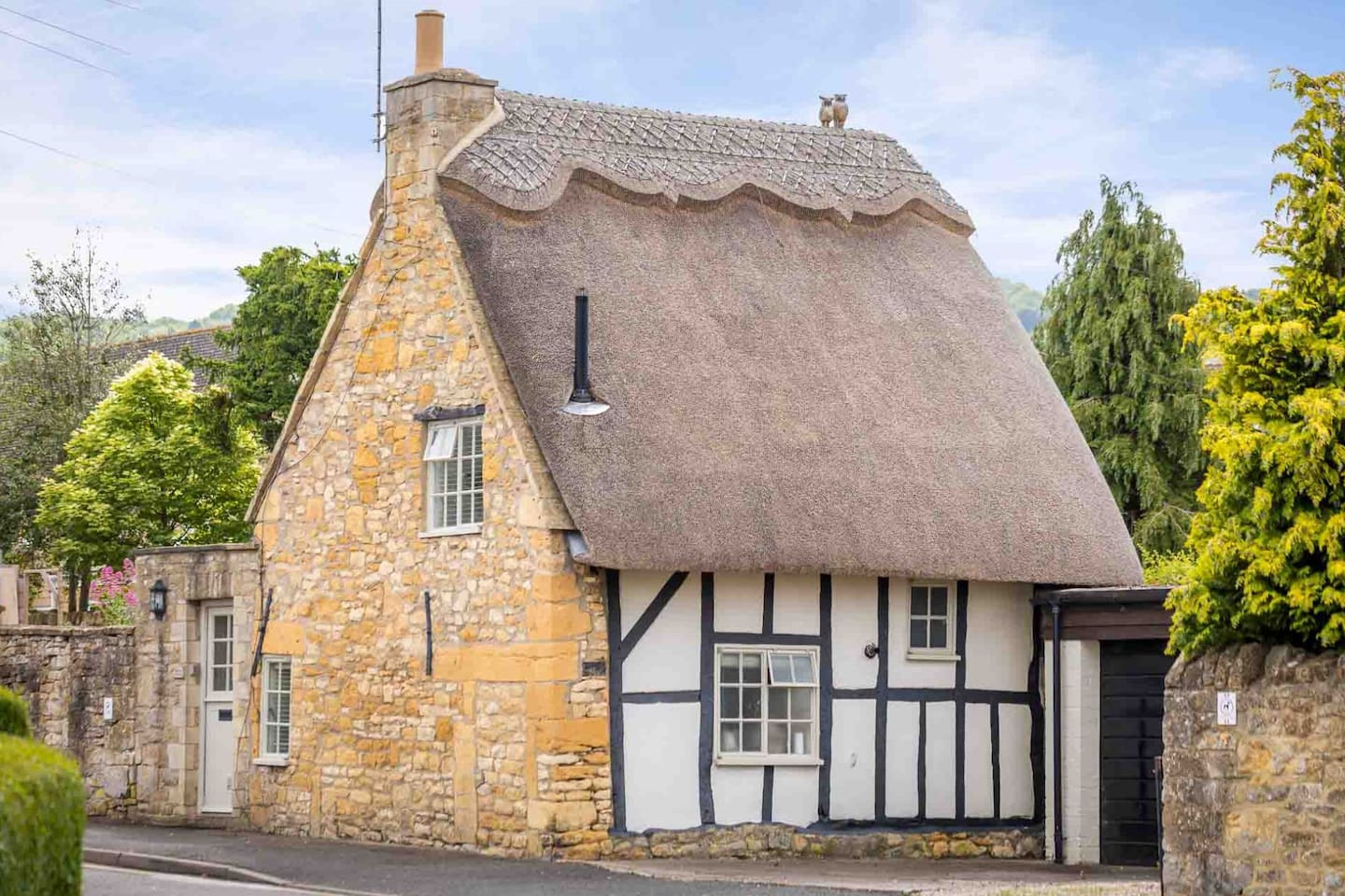 The blissful Orchard Cottage, peacefully located in the heart of the picturesque village of Broadway