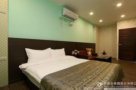 冬山平價溫馨住宿,雙人雅房3F(可加床) - Dongshan Township - Ház