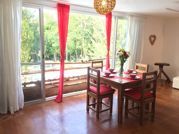 Romantic bright studio - 5 min away from the beach