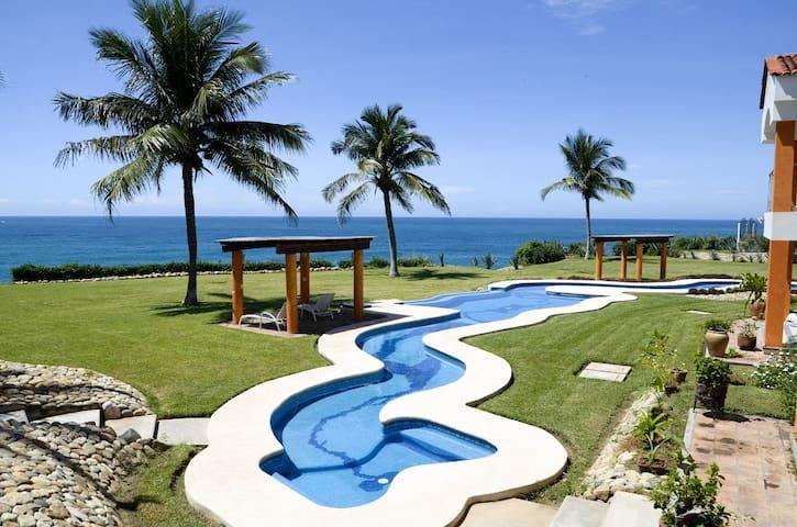 Oceanfront Condo Carrizalillo Dorado