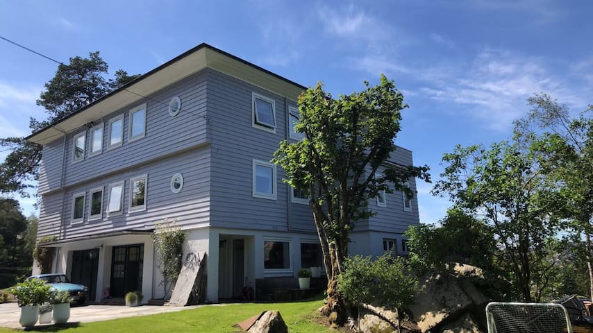 Nice and modern apartment close to BERGEN city