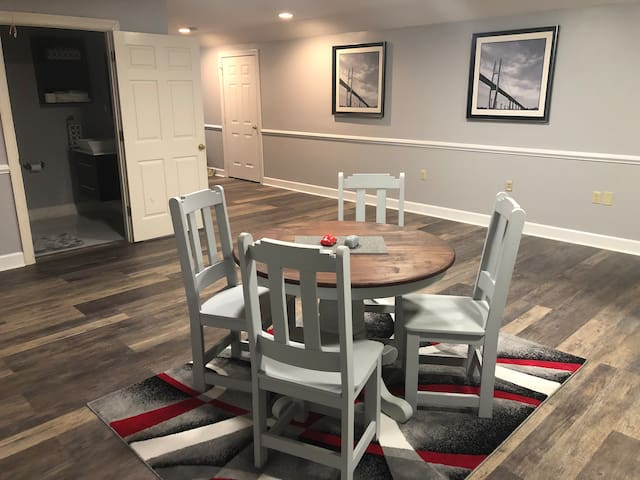 *New*Location! 7min to downtown SAV:penthouse size