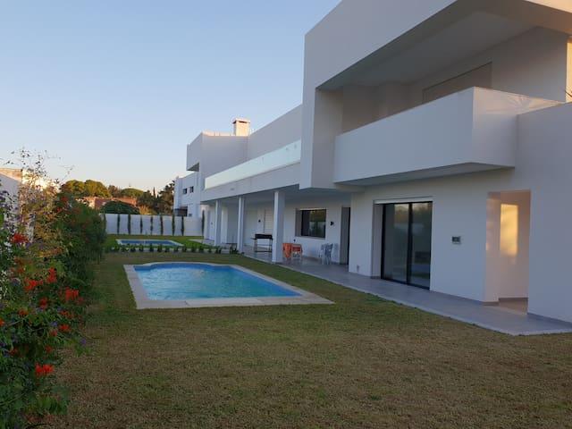Très belle villa contemporaine