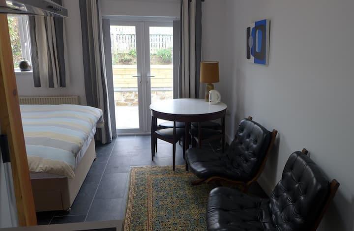 Mini studio flat in Marazion close to beach