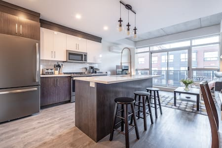 Upscale 2br - Downtown Next To Convention Centre