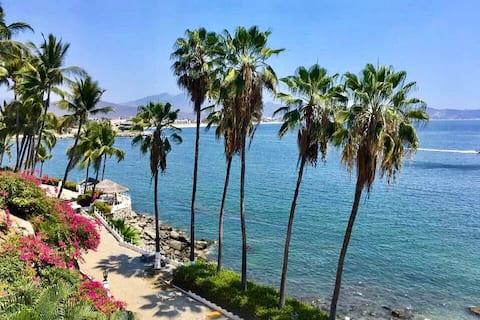 Condominio con vistas al mar en Playasol Las Hadas