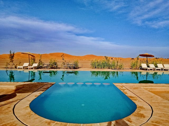 KASBAH DU BERGER, Sahara Castel: big Swimmin Pool.