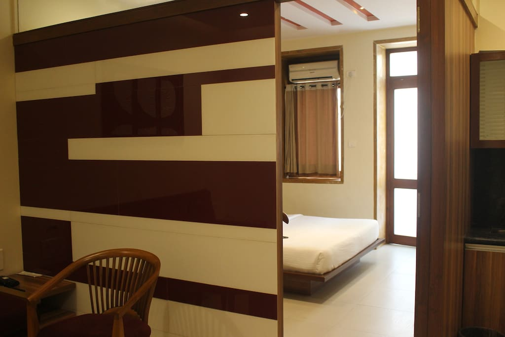 Suite room partial sea view boutique hotels for rent for Best boutique hotels in mumbai