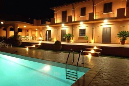Villa Luparetta - Cerveteri - Hus