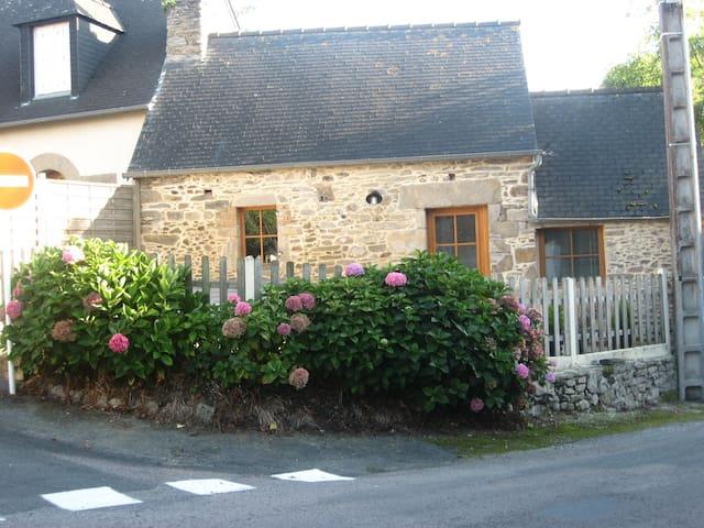 Petite maison traditionnelle - Matignon