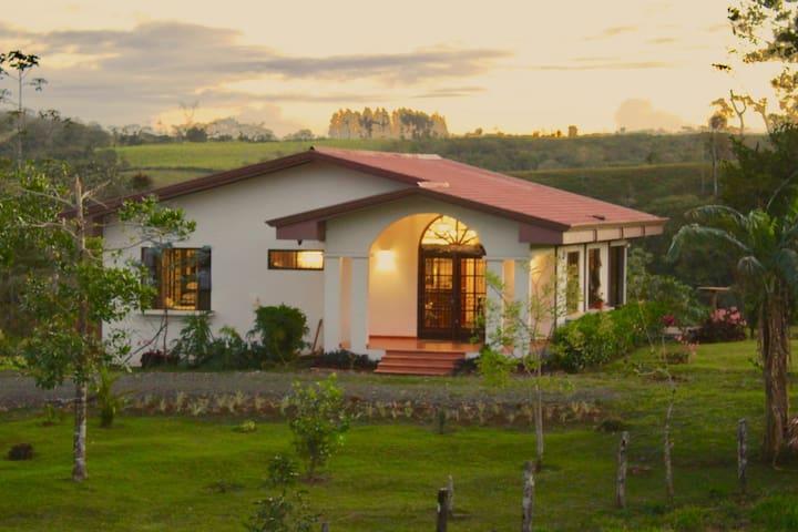 A mountain-side villa...CASA FELIZ!
