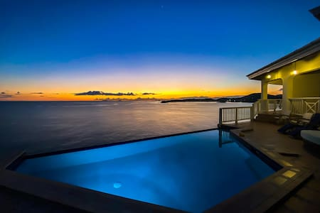 Villa Alta Marea - 6 BR Oceanfront! AMAZING views - 5 beaches within a mile!