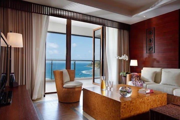 三亚半山半岛度假酒店短租,双卧套房,依山傍海,极致海景体验。