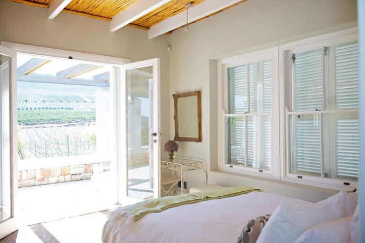 South Hill Vineyards - Villa - Room 3