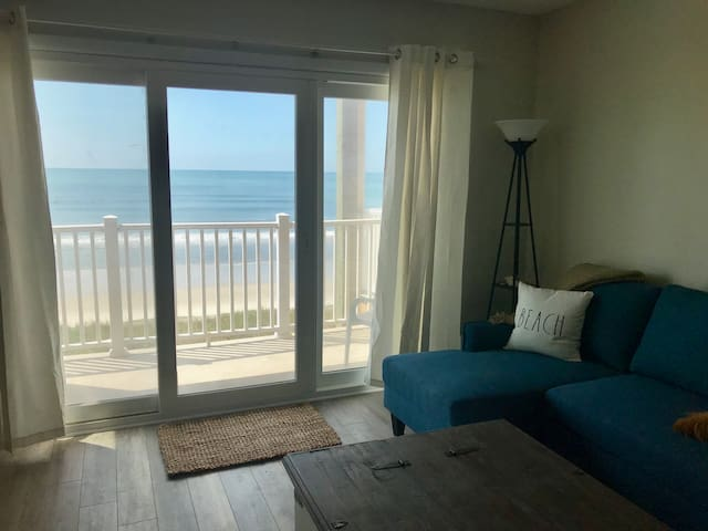 Panoramic Views - Oceanfront Condo with Pool