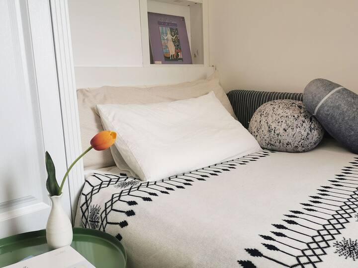 【起风了】cosy house单人间 |共享|顶层天然fan温馨小屋|罗蒙环球城|博物馆|南商|万达
