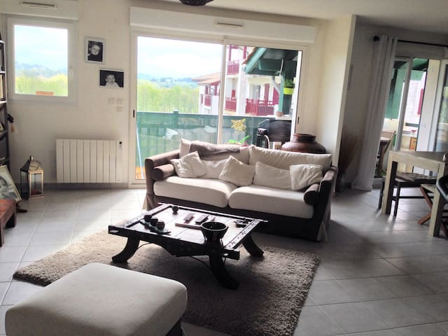 Joli appartement de 80 m2 très lumineux - Arbonne - Lägenhet