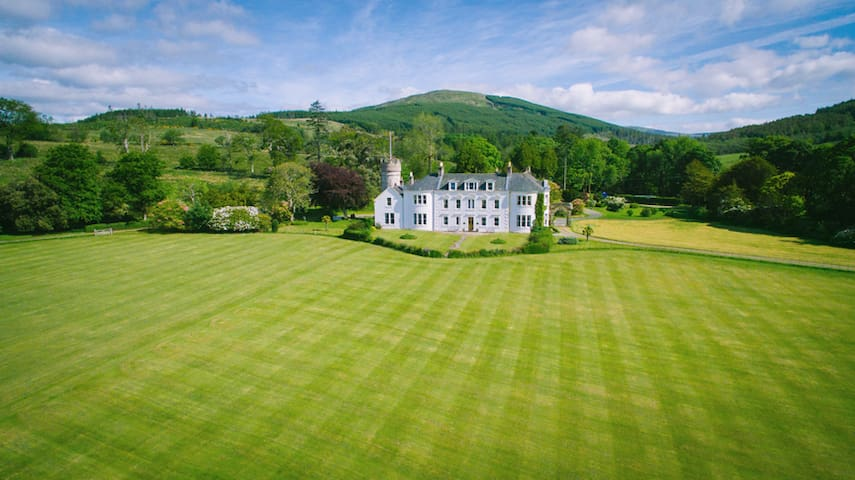 The Schoolhouse 5* Accommodation, Cowal, Argyll - Toward - Apartamento