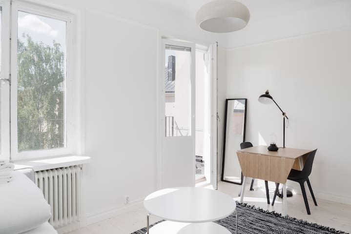 Explore Sthlm from Cozy Studio in Top Location