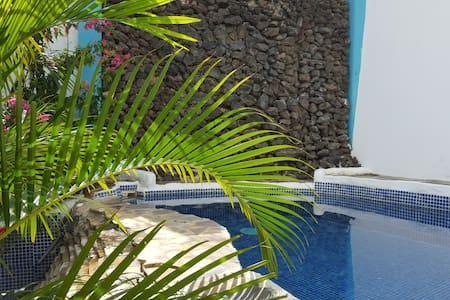 Moke Huhu Guesthouse - San Juan del Sur