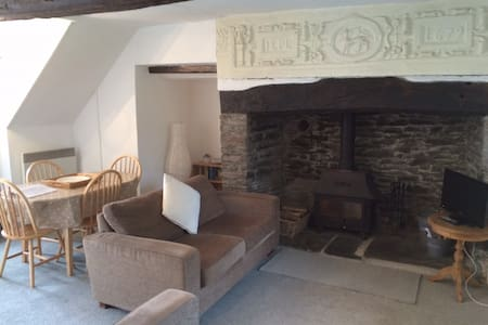 Courtyard Cottage - Grade II listed - Barnstaple