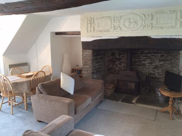 Courtyard Cottage - Grade II listed - Barnstaple