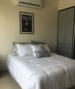 Habitacion privada UJAT Altozano con bano privado