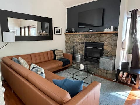 Excellent Mammoth Lakes Condo - sleeps 4